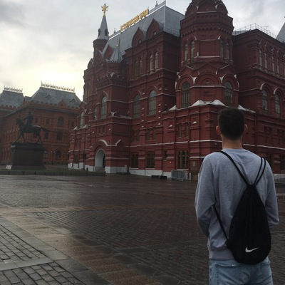 Максим Бурда