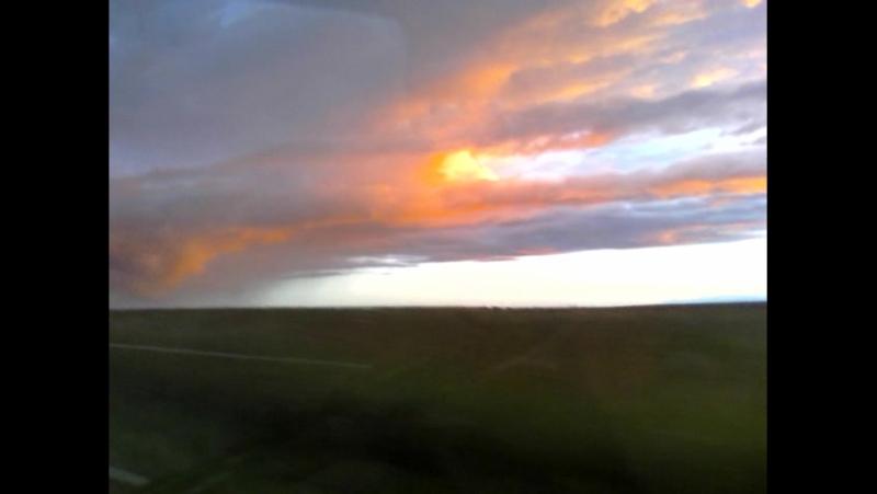 Едем с дачи. Облака и солнце в закате. Красотища!