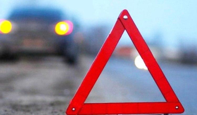 В Зеленчукской столкнулись КАМАЗ и «Hyundai Accent»