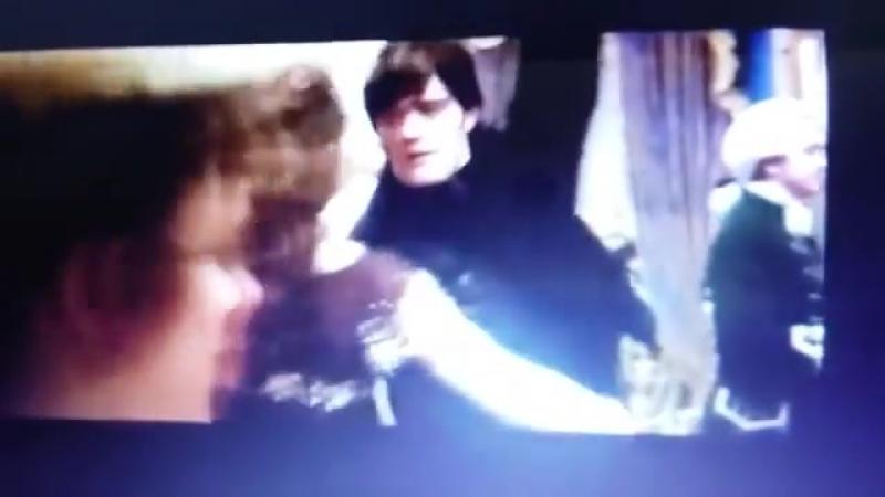 Удаленная сцена танца из «Гордость и предубеждение и зомби» (1)