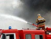 В Мурманске крупный пожар: сгорели четыре гаража