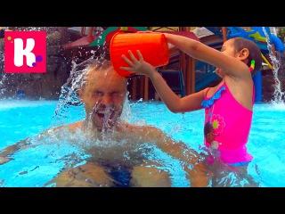 ВЛОГ МИСС КЕТИ Завтрак в отеле Жарим тосты и купаемся в бассейне в водном парке Alton Tower крошечный аквапарк