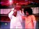 Sathya Sai Baba Vibhuti MIracle   Shiva Shiva Shiridi Pureeswara   Shiridi Sai Abhishekam