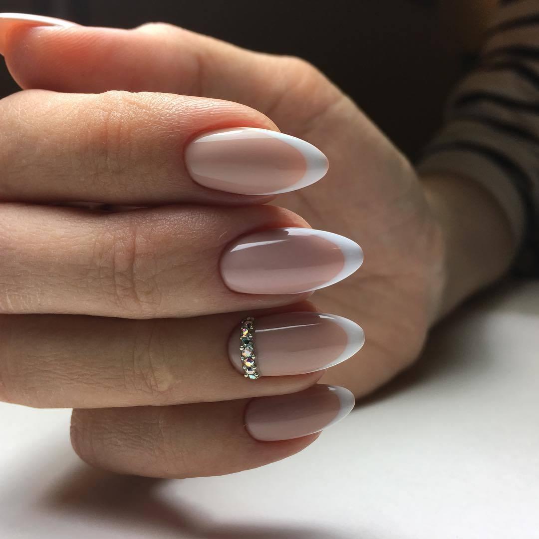 Фото маникюра на ногти миндальной формы