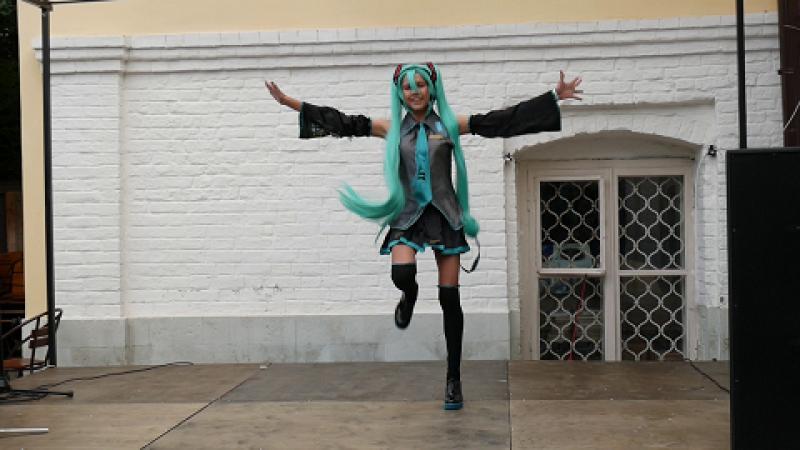 8.10. Maya San - Vocaloid (Hatsune Miku)