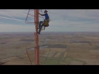 Самая высокая телебашня в мире (Очень страшный вид сверху)