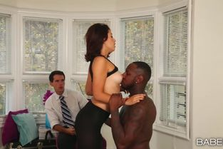 BlackIsBetter – Izzy Bell – A Captive Audience
