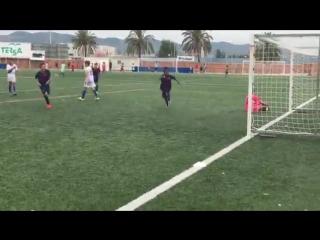Сын Патрика Клюйверта забил свой дебютный гол за Барселону