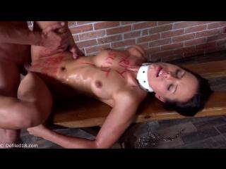 Kari d18 порно с молодой русской блядью студенткой. проститутка шлюха бдсм порно жеский секс плётка веревка связанная