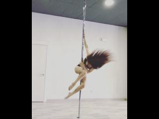 Pole dance Marion Crampe • Apr 18, 2017