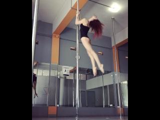Pole dance Marion Crampe • Mar 26, 2017