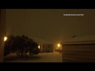 Thundersnow rumbles across the midwest. turn the volume up for this one.
