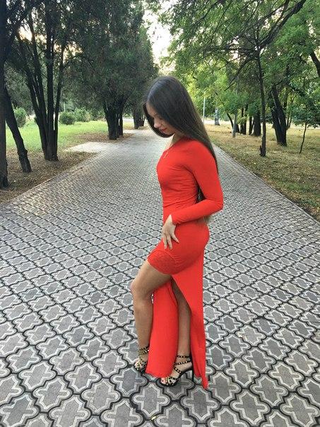 https://ru.aliexpress.com/item/Sweetyou-Summer-Dress-2015-Floor-Length-Red-Maxi-Party-Dresses-Women-One-Shoulder-Long-Sleeve-Sexy/32301547461.html?spm=2114.13010608.0.89.4B7q7I Делюсь покупкой недорогого и очень эффектного платья! Заказ пришел