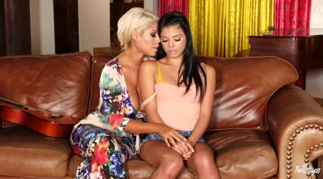 MomKnowsBest – Bridgette B And Gina Valentina – Playing With Passion