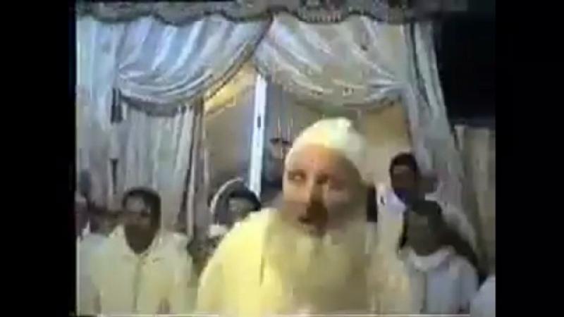 Бездельники-суфисты танцуют на своей вечеринке
