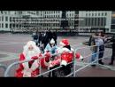 Спроба патрапіць на парад Дзедаў Марозаў зь інвалідам вазочнікам