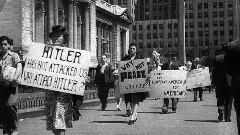Антивоенная демонстрация в Нью-Йорке, 1941 год.