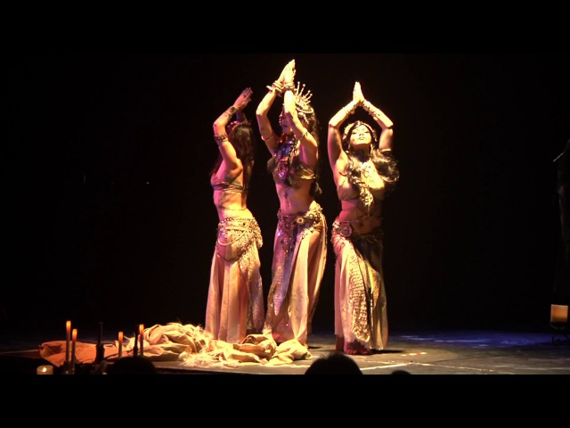 Valouria performs LIVE to Secret Mantra by Dreamshovel at Shadowdance