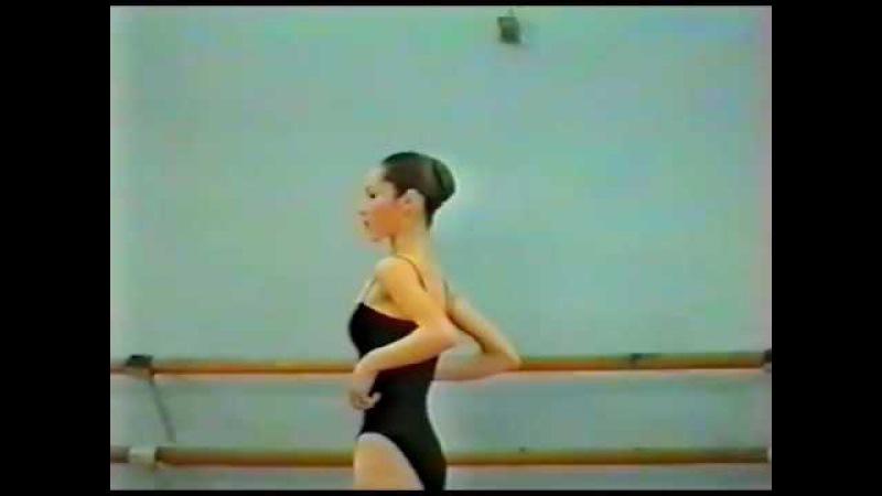 Vaganova Ballet Academy Exam 3/7 (1997), barre - Anna Sysoeva, Olesya Novikova