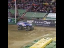 Lee O'Donnell's front flip at Monster Jam World Finals is absolutely insane! ... · coub, коуб