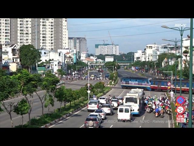 Sài Gòn: Đoàn Tàu SNT3 Nha Trang - Sài Gòn Đi Ngang Đại Lộ Phạm Văn Đồng (July 02, 2017)