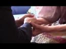 Людмила Алексеева целует Путину руки 1