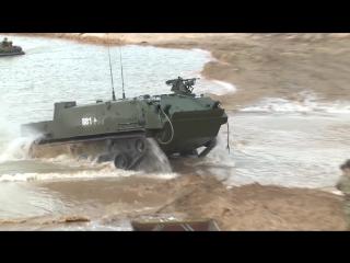 Форсирование водной преграды БМД-4М и БТР-МДМ «Ракушка» в ходе тактического учения подразделений 106-й дивизии ВДВ