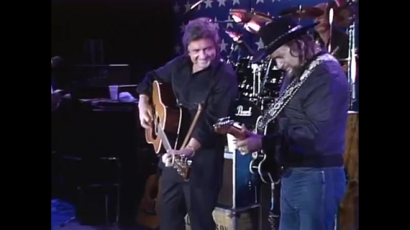 Johnny Cash Waylon Jennings - Folsom Prison Blues (Live at Farm Aid 1985)
