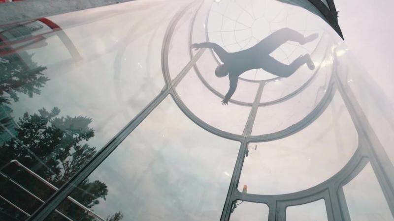 Симулятор прыжков с парашютом. Полеты в аэротрубе.