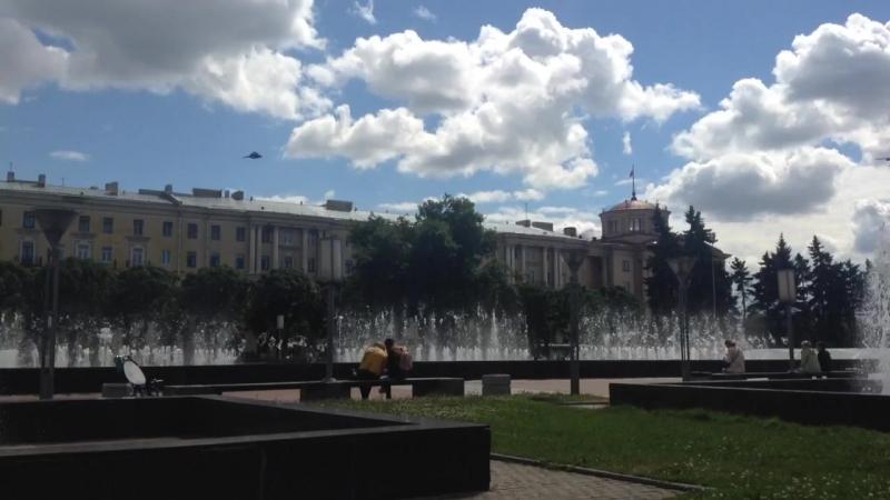 танцующие фонтаны у финляндского вокзала