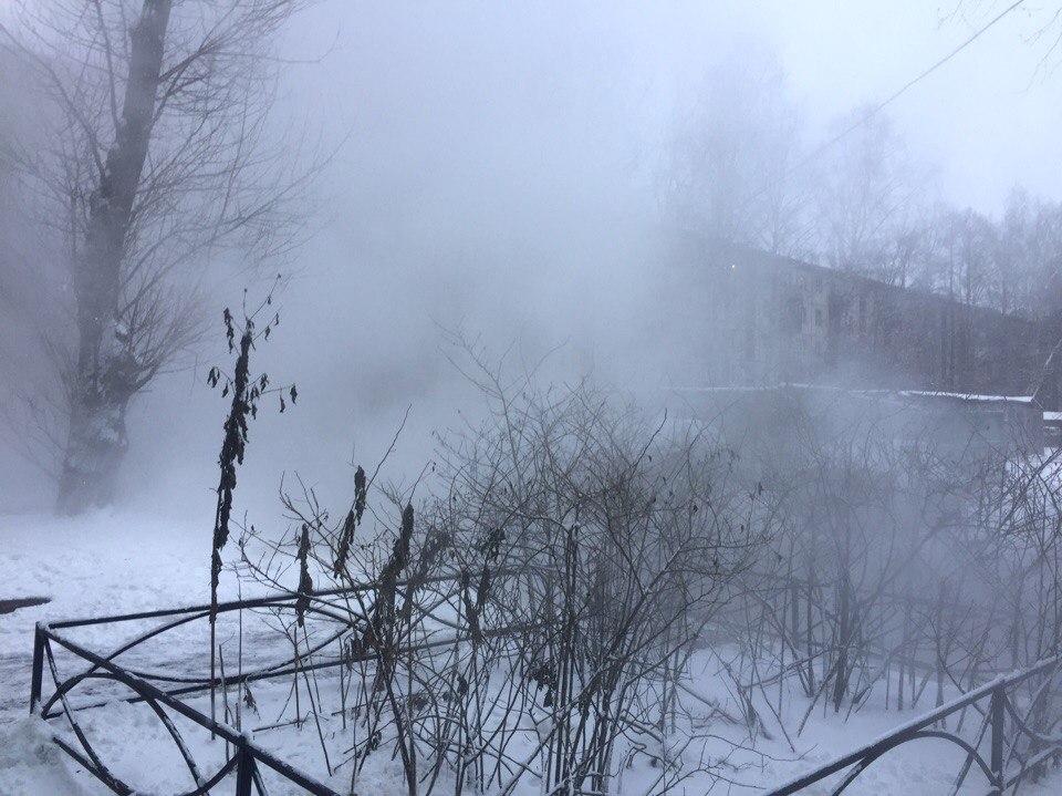 Труба лопнула напроспекте Энергетиков вПетербурге