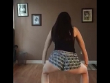 Станцева тверк в шортиках | Девушки сложного поведения