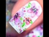 Красивый цветочный маникюр