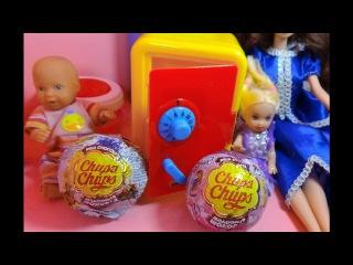 Мультик про кукол. Макс и Катя открывают сейф с Чупа-Чупс сюрпризами. Даринелка ТВ