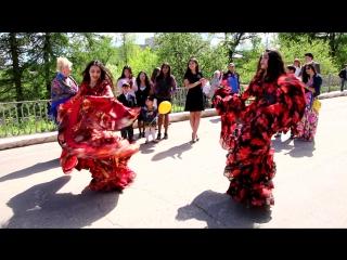 Цыганские песни и танцы в день города Боровичи 27 мая 2017г.
