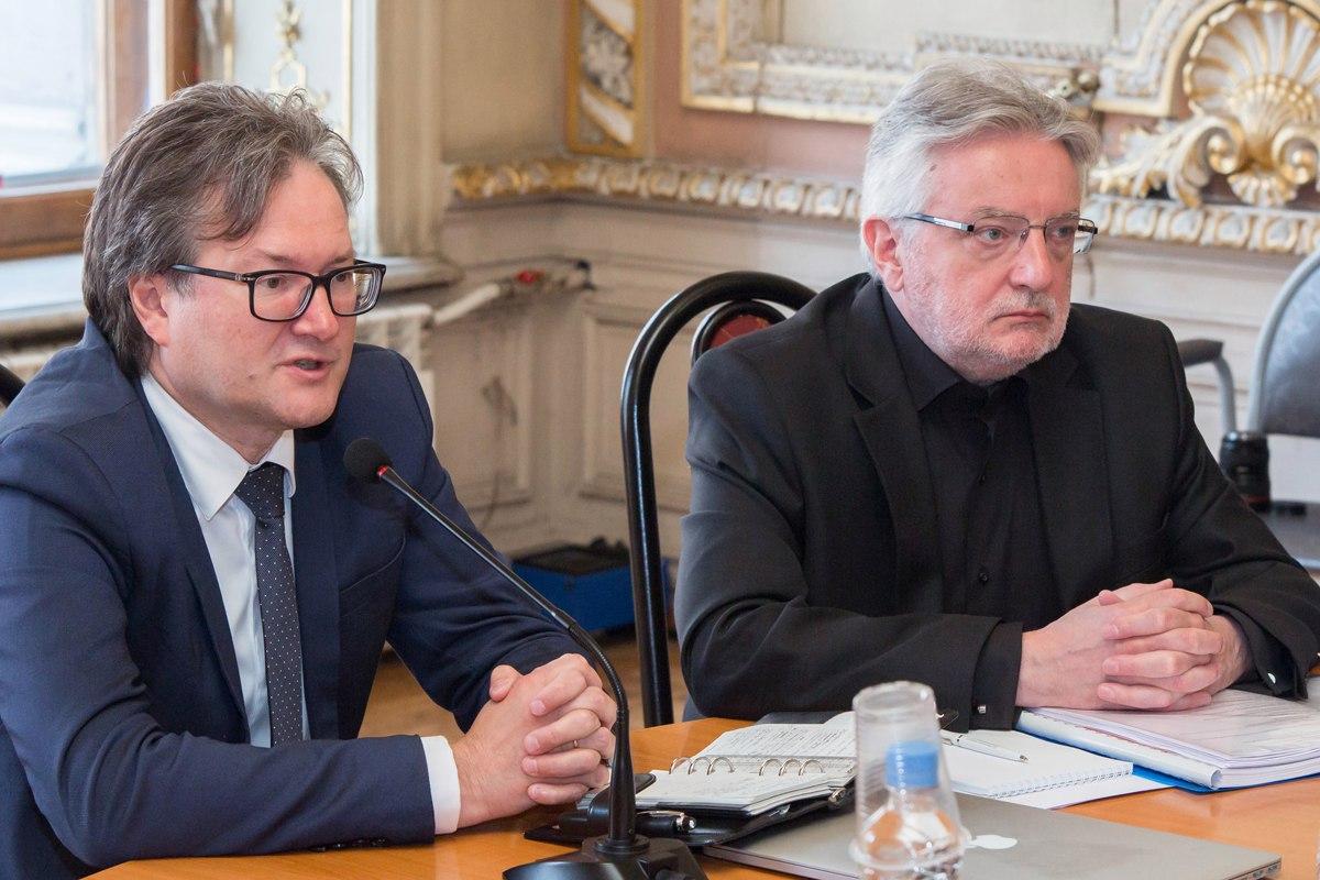 Ректора Европейского университета Олега Хархордина вынудили уйти в отставку