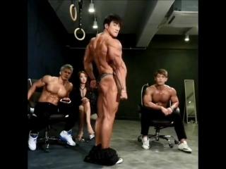 Азиатский титан