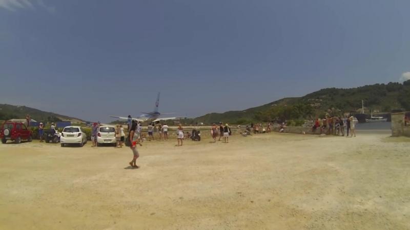 BOEING 757 vs. People - SANDSTORM of Skiathos
