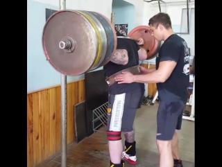 Тимур Гадиев - присед 330 кг