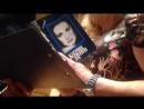 Катрин Денев раздает автографы в Московском доме музыки