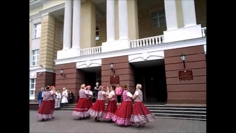 26 7 17 Прошла очередная танц. встреча у Дружбы народов и дождь не помешал.