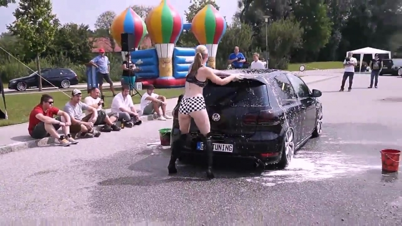 Volkswagen tuning bikini car wash