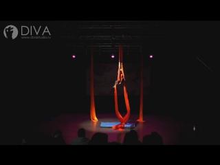 Детская воздушная гимнастика на полотнах, ученица студии Александра, хореограф Татьяна Щенникова