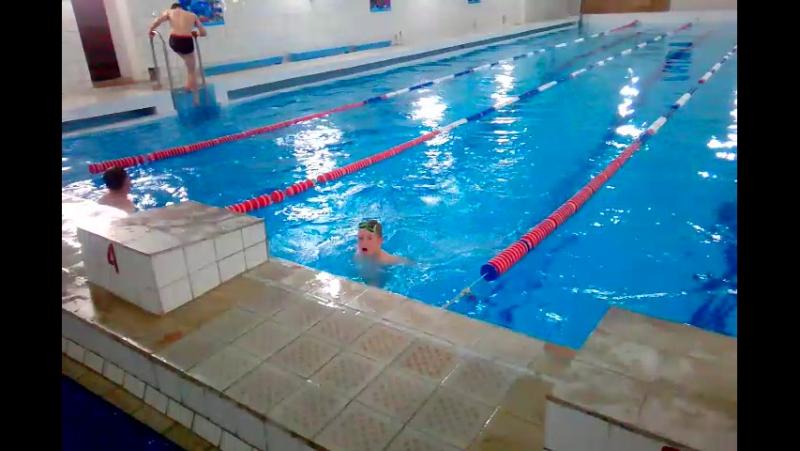 Данька пловец)