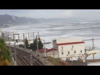 Большой Сочи, шторм и порывы ветра, МЧС предупреждал!