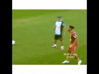 Прием мяча от Роналдиньо