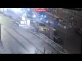 Смертельный наезд машины модного стилиста в центре Москвы попал на видео