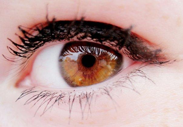 что значит карие глаза у девушек