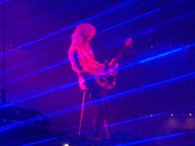 Queen Adam Lambert Brian May Guitar Solo Boston TD Gardens 25th July 2017