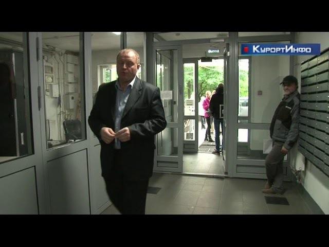 Управляющая компания ночью проникла в служебные помещения дома 38 по Дубковском ...